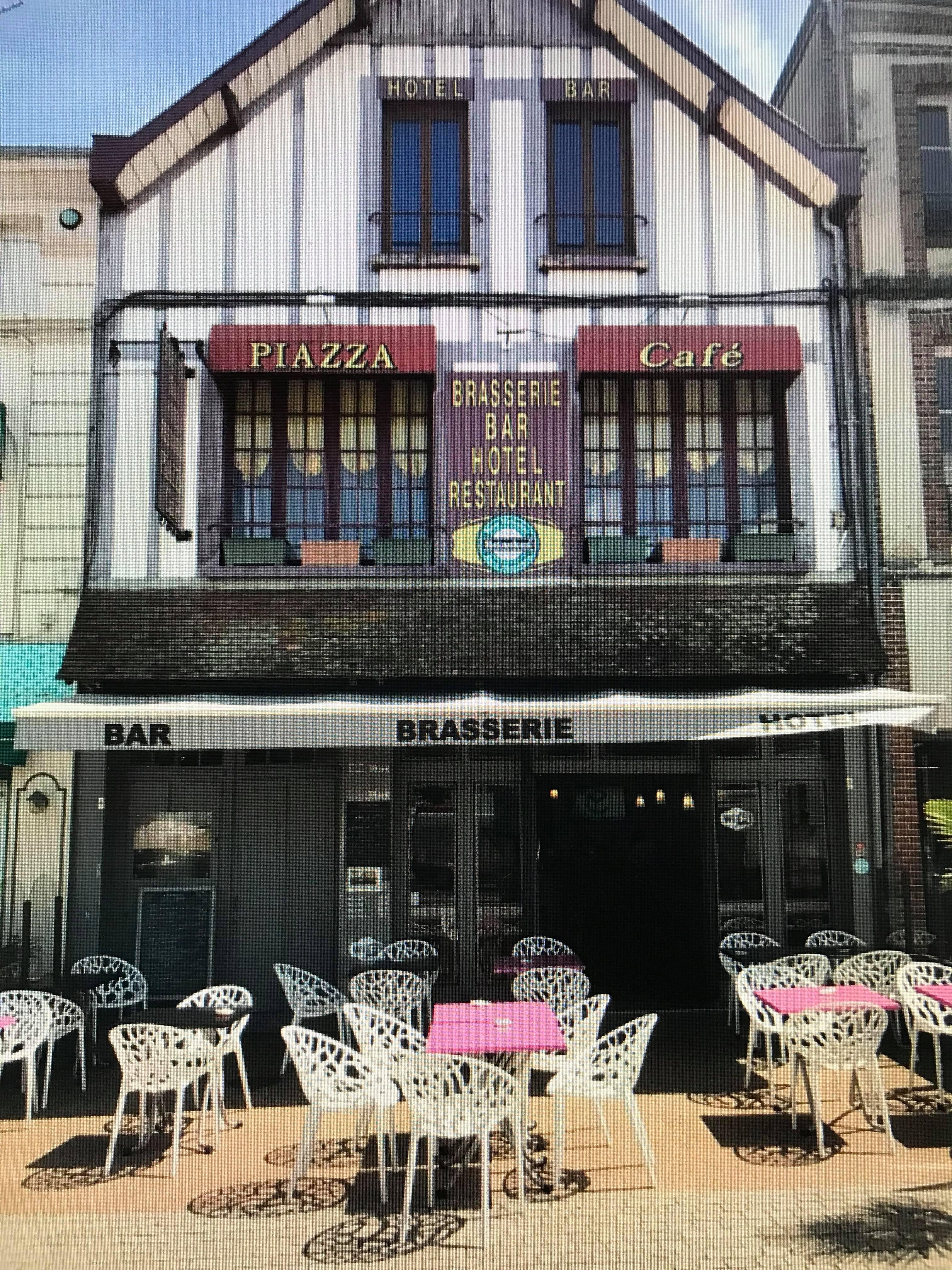 bar-restaurant-hôtel Café Piazza à l'Aigle en Normandie
